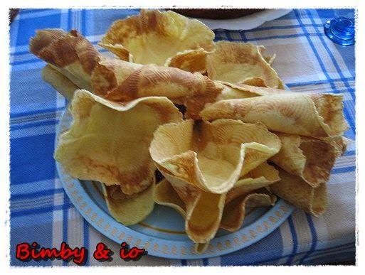 CIALDE e CONI  GELATO 2 uova gr. 150 burro molto morbido gr. 40 zucchero gr. 90 di farina 00 buccia di mezzo limone e un pizzico di sale facoltativo 10 gr. di cacao se le volete scure