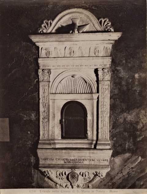 Moscioni, Romualdo , Edicola nella chiesa di S. Maria in Trivio - Roma - insieme