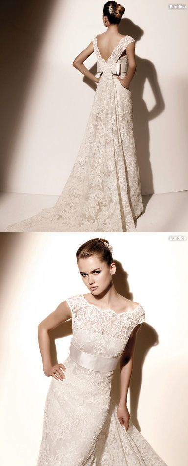 Without the bow and continue front neckline around the back with row of buttons. Valentino Sposa