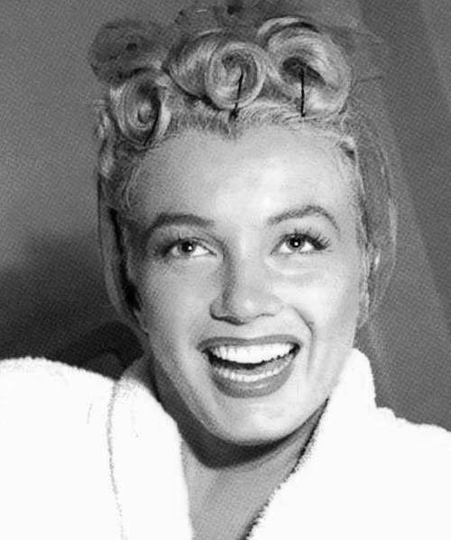 Marilyn Monroe hair curls