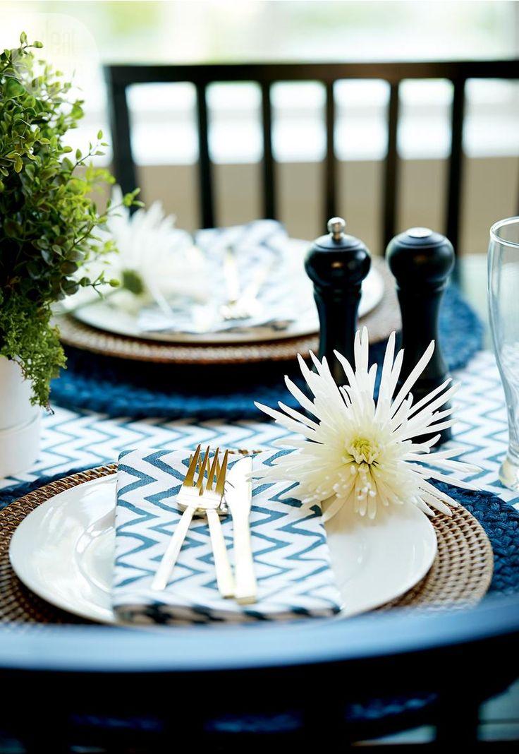Cottage style: Table setting {PHOTO: Stacey Van Berkel}
