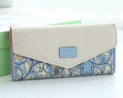 Dámska kožená peňaženka s prešívaním, motív kvetín.5