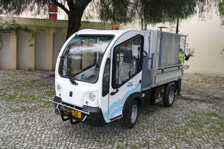 O Município de Tomar adquiriu um novo veículo elétrico para o controlo das ervas daninhas das ruas e praças da cidade.