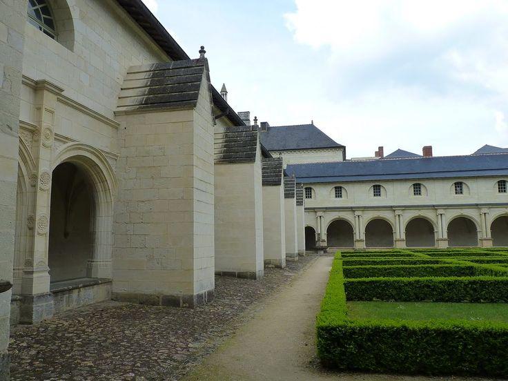Resultado de imagen para Tumba de Ricardo en la Abadía de Fontevraud, Francia