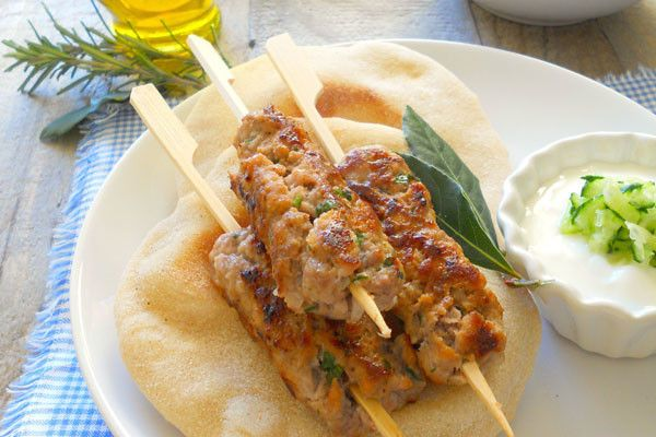 Ricetta Kofta con pita, insalata greca e tzatziki - Severin for Fun