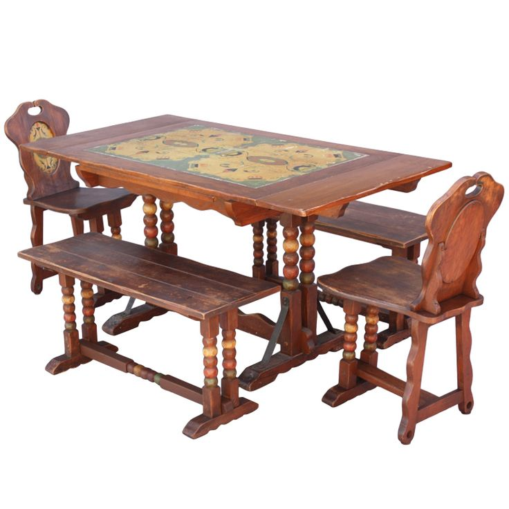 High Quality Antique Monterey Period Dining Room Set