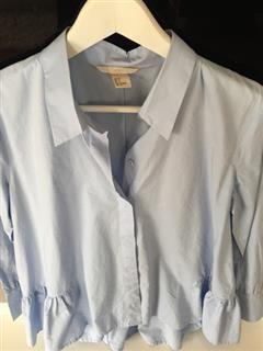 %59 indirimli H&M Üst Alt kısmı fırfırlı mavi gömlek 💙   Modacruz