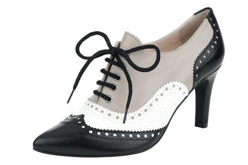 Aus softem Ziegen-Nappaleder. Tolle Optik durch Lochmusterprägung und Perforation. Mit Blockabsatz für einen tollen Auftritt. Durch die Dreifarbigkeit ist dieser Schuh top im Trend. Modern, verleiht jedem Outfit das gewisse Etwas.