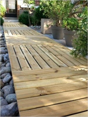 All e en caillebotis all es de jardin pinterest - Faire une allee en bois ...