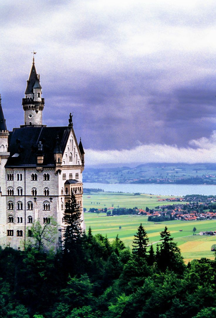 16 Best Castles In The World You Can Visit In 2020 Best Places To Travel Europe Travel Travel