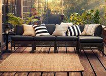 ikea garden sofa KUNGSHOLMEN en nättare variant av rottingklumparna. med ben så det inte blir för tungt