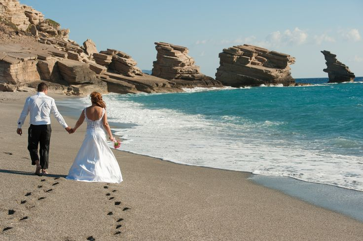 "thomas and sophie's photoshooting ""Triopetra beach"""