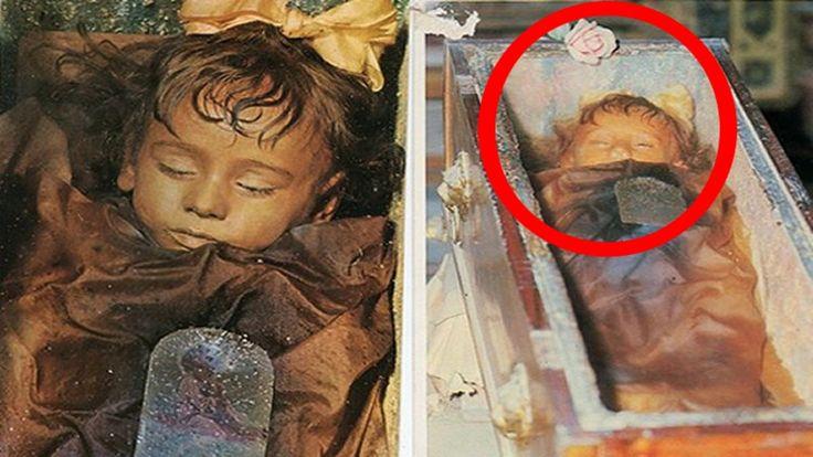 Is Child mummy Rosalia Lombardo Opening Her Eyes