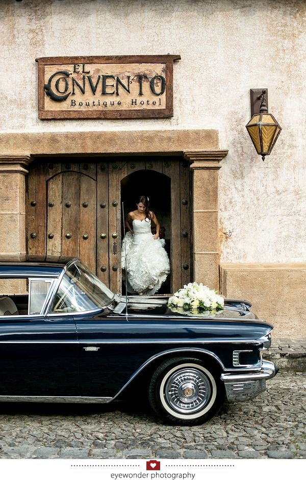 Antigua Guatemala Wedding by EyeWonder Photography. El Convento Hotel.