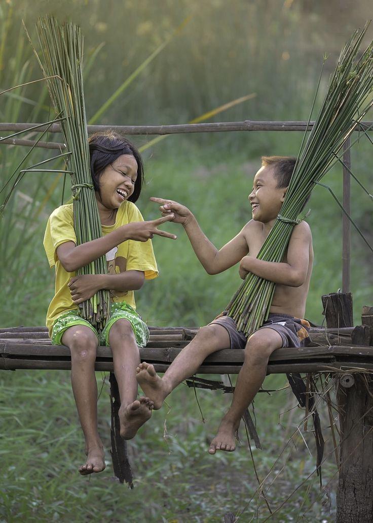 Happiness of Thai children by Proxy Kiatanan on 500px