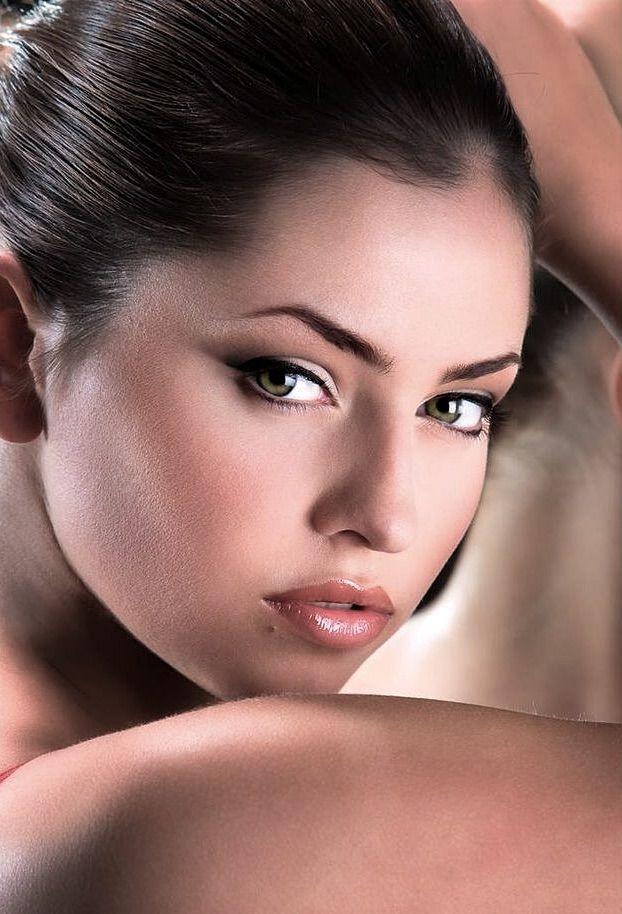 279 best Beautiful ! images on Pinterest   Faces, Beautiful women ...