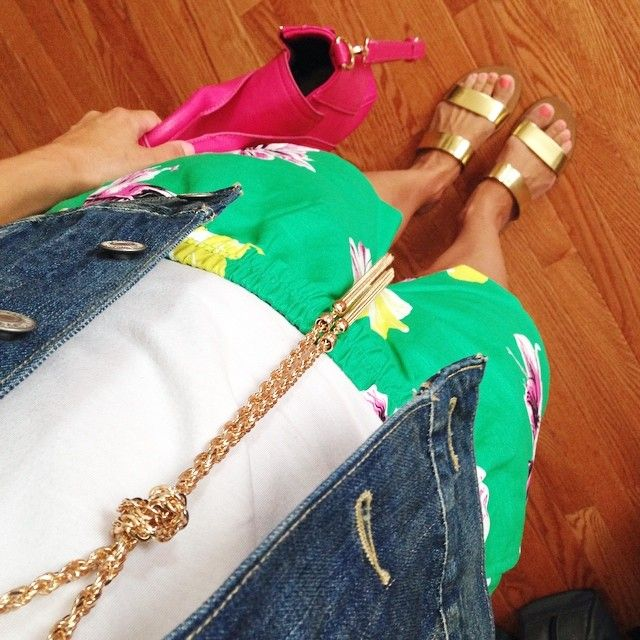 J.crew factory punk floral shorts. Levis denim jacket. J.crew gold metallic Malta sandals. Pink Phillip lim pashli. Gold forever 21 tassel necklace.