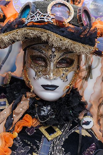 https://flic.kr/p/fJyuBM | Great mask!! (IMG_4183) | This photo is from the last day, 12 February 2013, of the 2013 Carnavale in Venice