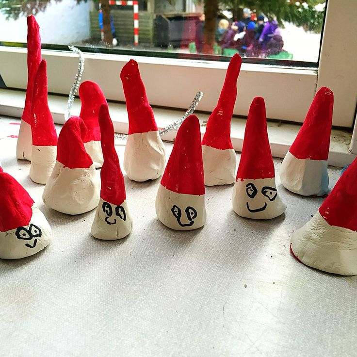 My stuff// little gnoms - nisser - selfhardening clay - when dry put duct tape / masking tape around the gnoms head for a sharp line and let the kids paint the hat red - kindergarten - Christmas - DIY - skidtogkanel - craft - decor