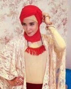 Gaya Hijab Zaskia Sungkar   Cantik Berbaju Muslim