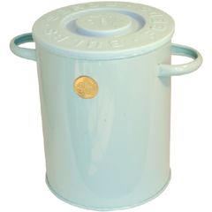 An attractive lidded storage container that is stylish enough to be left out on display.  Can be used for seeds, bulbs, pet treats and so on. The caddy body is hot dipped galvanised for rust prevention and then given an additional powder-coated finish in Light Blue. Also comes in Sage (V480SA).