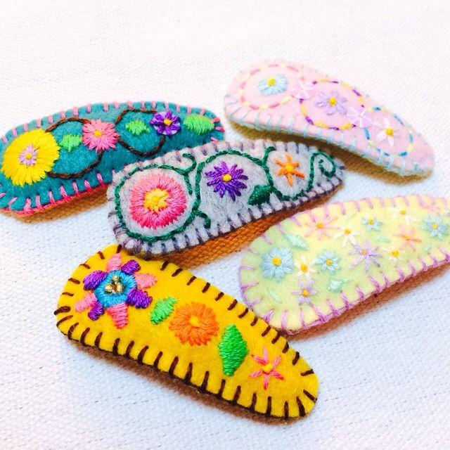 [お気に入り300記念]刺繍パッチンどめ