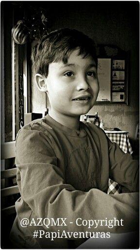 ¡Arielo waiting for his meals 3 - Arielo esperando por sus alimentos 3! - #PapiAventuras -  @helenation @PinkGuayoyo +Helenation - #UK, #unionjack, #union_jack, #england, #Salvador, #Jesuit, #ihs, #jesuita, #ultramarathon, #raramuri, #Tarahumara, #NativeAmerican, #Georgia, #Armenia, #Caucasus, #Russia, #Yokuzuna, #Japan, #Tampico, #rosa, #rosas, #rose, #roses, #winter,  #vinter, #invierno, #Faldo,  #Dog, #bollywood, #india, #rajasthan, #budha, #buda, #Castle, #halloween, #Avion, #cafe…