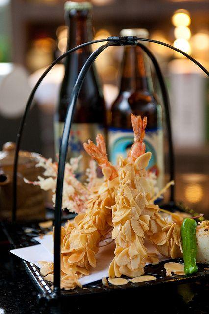 shelovesasianfood: Almond flake coated tempura shrimp