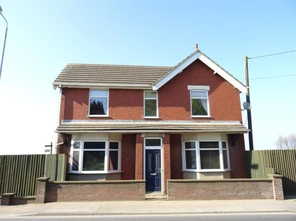 3 bedroom detached house for sale - Leicester Road, Ibstock, Leicestershire Full description   ** THIS INDIVIDUAL THREE BEDROOM DETACHED PROPERTY OCCUPYING AN IDYLLIC SETTING OVERLOOKING ARABLE FIELDS TO THE REAR ELEVATION. AN INTERNAL INSPECTION COMES HIGHLY ADVISED IN ORDER TO APPRECIATE THE EXISTING ACCOMMODATION AND EXTERNAL FEATURES WHICH COMES TO THE MARKET FOR... #coalville #property https://coalvilleproperties.com/property/3-bedroom-detached-house-for-sale-leicest