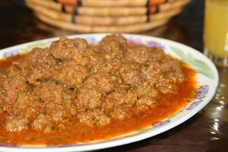 Boulettes de Kefta aux Oeufs (Viande Hachée) Pour visionner la vidéo, abonnez-vous à la chaîne http://www.youtube.com/recettesmaroc2