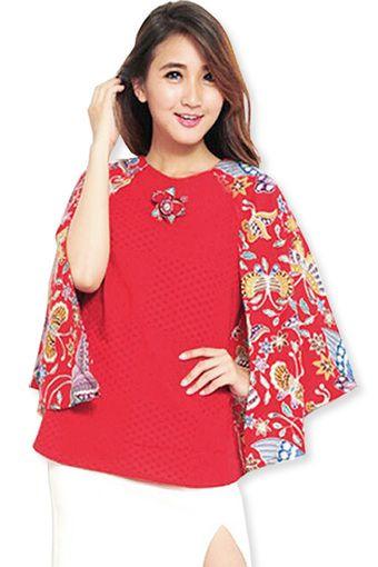 Jual JO & NIC Keira Batwing Cape Batik Blouse - Blus Batik - Merah - SkyroseNet @Lazada   OmJoni.com