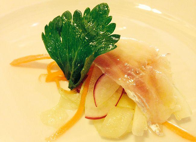 Carpaccio di spigola con verdure croccanti | Food Loft - Il sito web ufficiale di Simone Rugiati