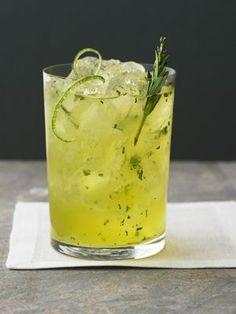 Этот напиток очищает организм, способствует похудению и укрепляет иммунитет, а также он поможет быстро взбодриться! Употреблять этот напиток лучше всего натощак. Что вам потребутеся: молотая корица; мед; лимон; горячая вода. Как готовить: В горячую воду кладем дольку лимона и добавляем молотую корицу. Даем настояться и заодно немного остыть воде. Когда вода немного остыла добавляем ложку […]