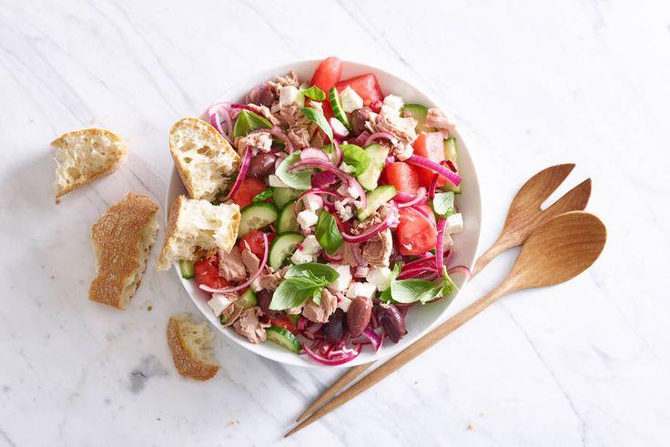 Watermeloen en feta, wat een duo! Een heerlijke salade voor een zomerse dag - Recept - Allerhande