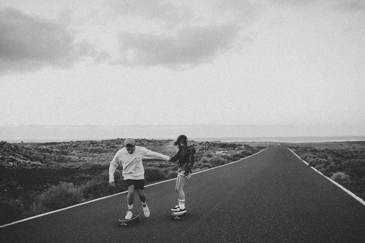ON THE STREETS / Skater / Fuerteventura / Surfer / Wedding / Hochzeit / Couple / Streets / Wedding Photographer / Hochzeitsfotografie / Julia und Gil