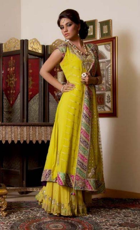 pakistani bridal dress , mehndi