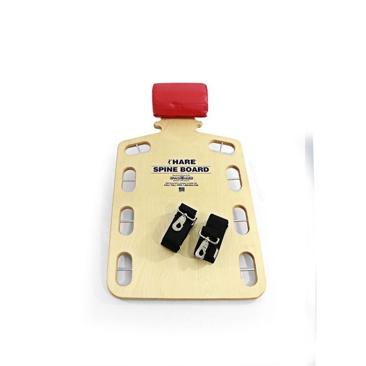 La Hare Spine Board targata Dynamed possiede una forma che, oltre a conferire grande stabilità al paziente, consente di fissare le cinture e il cuscino con rapidità. Questo è reso possibile anche grazie ai pin che permettono un migliore ed efficace aggancio dei moschettoni.