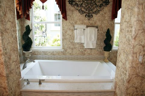 Luxury Homes in Charlotte NC - http://www.theelimagidsgroup.com/blog/luxury-homes-in-charlotte-nc/