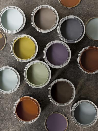Mooie vergrijsde kleuren bij elkaar, het okergeel zorgt voor een spannend accent