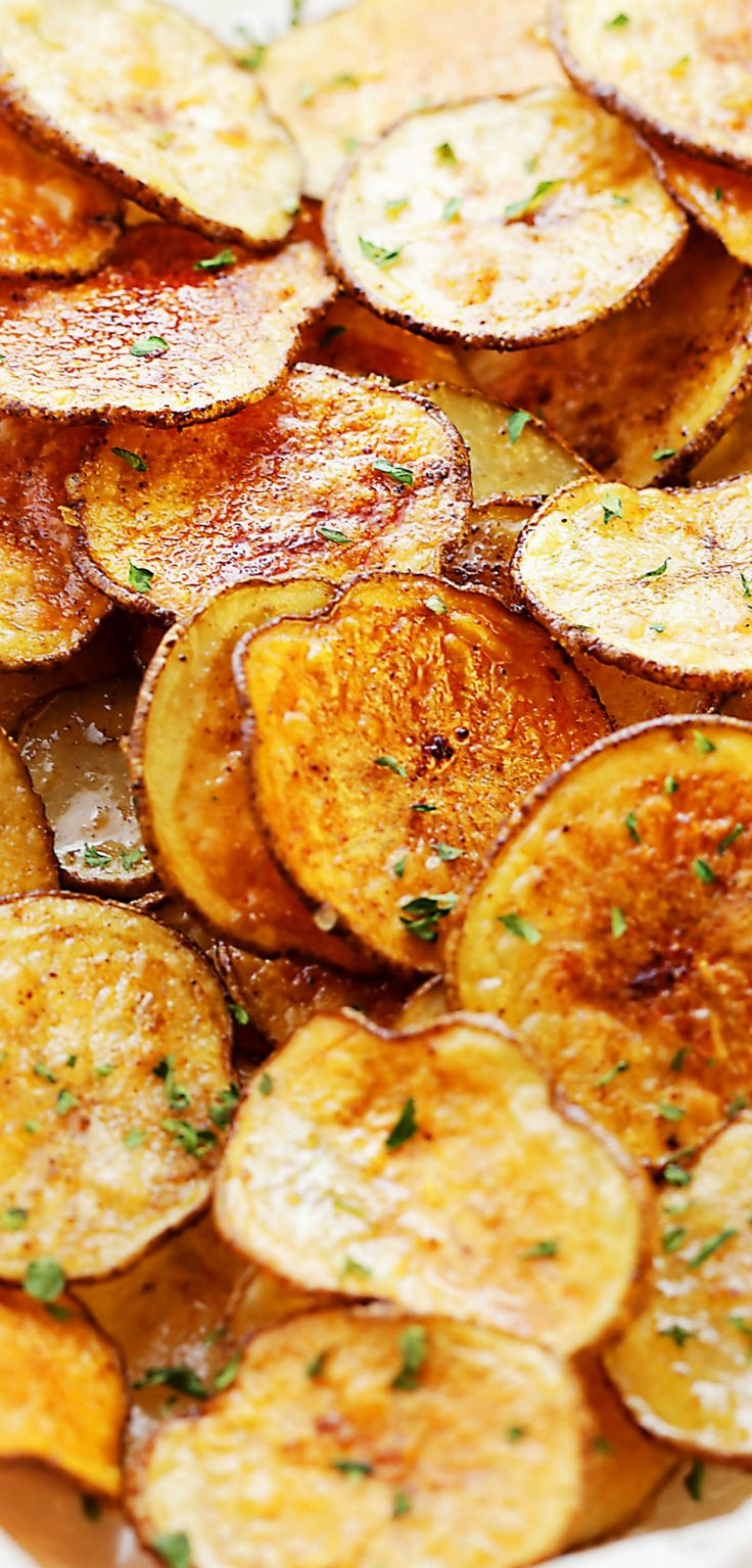 Chili Lime Baked Potato Chips Recipe – Simple to make, delicious and homemade baked potato chips flavored with fresh lime juice and chili powder.
