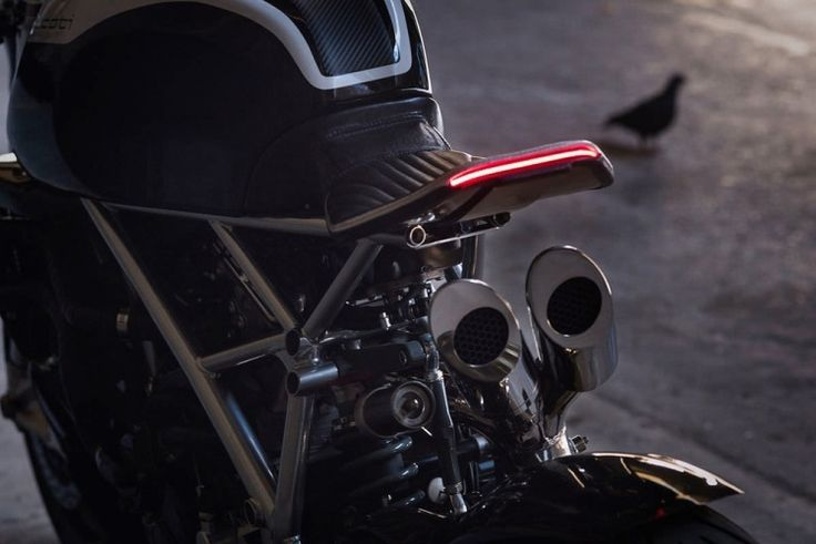 """moto Ducati 848 """"Le Caffage"""" - feux arrière LED"""