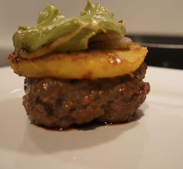 Gegrilde Ananas Burgers met Guacemole - Paleo Recepten