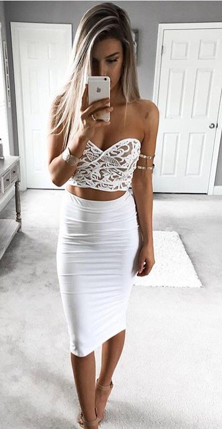 Gorgeous 50+ Pretty White Bachelorette Party Outfit Ideas https://weddmagz.com/50-pretty-white-bachelorette-party-outfit-ideas/