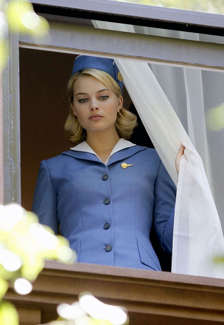 Pan Am TV Cast: Margot Robbie ~ World stewardess Crews