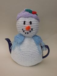 Snowlady Tea Cosy Knitting Pattern on Craftsuprint - View Now!