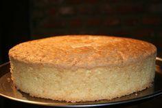 Gâteau de Savoie facile au thermomix. Voici une recette de Gâteau de Savoie, facile et rapide a préparer chez vous avec le thermomix.