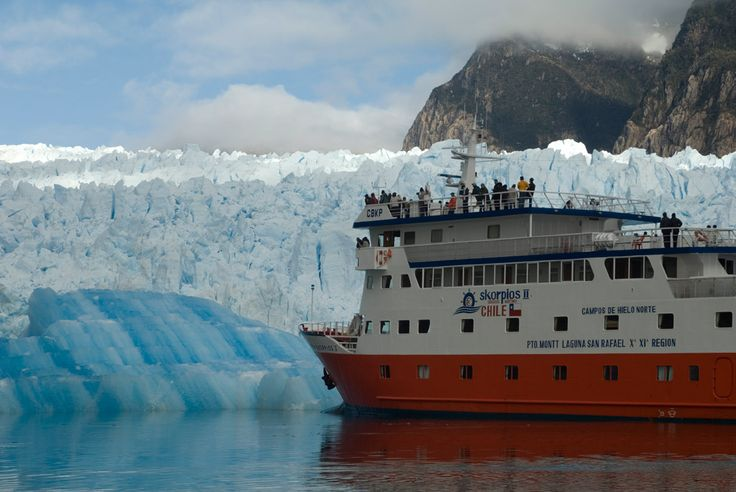 """Crucero/Cruise ship: """"Skorpios"""" Patagonia Chilena Ruta Chonos, campo de hielo norte. Photo by: skorpios."""