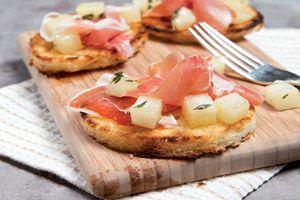 Crostini met parmaham en peer - foodies