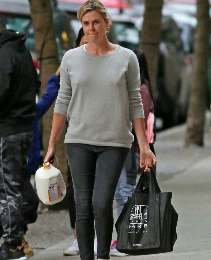 Charlize Theron Ny Blondes: Charlize Theron Street Casual In A Sheer Grey Sweater