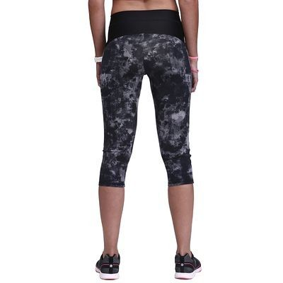 Pantaloni Abbigliamento fitness,Danza - Corsari donna SHAPE+ neri DOMYOS - Abbigliamento Palestra